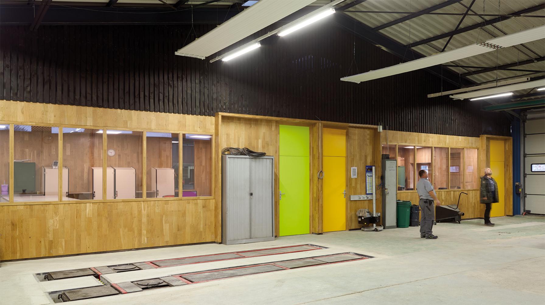 Réhabilitation intérieure de deux bâtiments du lycée Camille-du-Gast, à Chalon-sur-Saône (71) avec du CLT en chêne de Bourgogne.